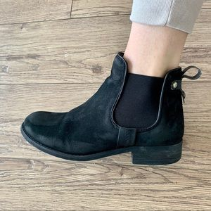Steve Madden | Nubuck Black Leather Chelsea Boot 6